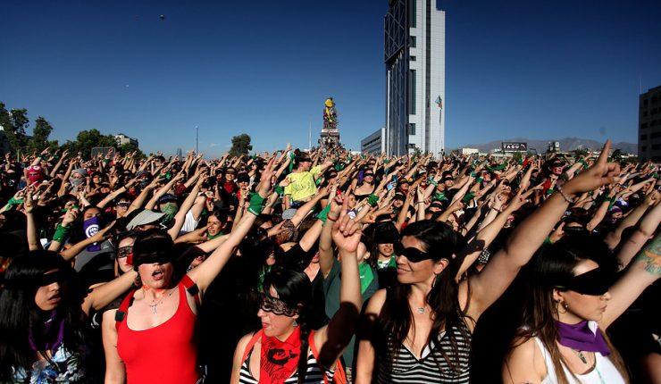 Julieta Suárez a un año de la intervención de Lastesis: «Es una fuerza colectiva de mujeres. Posiciona a Chile y a la región a la vanguardia»