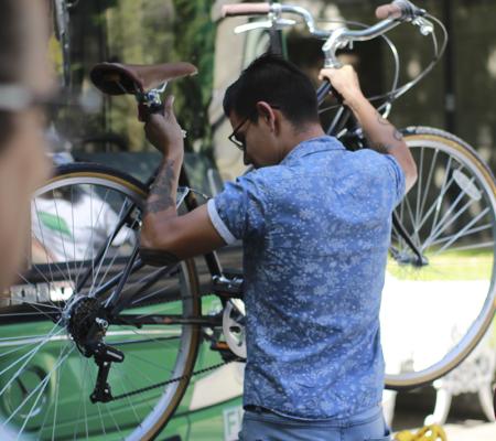 BiciBus: La iniciativa UC que busca combinar las bicicletas con los buses del sistema de transporte Red