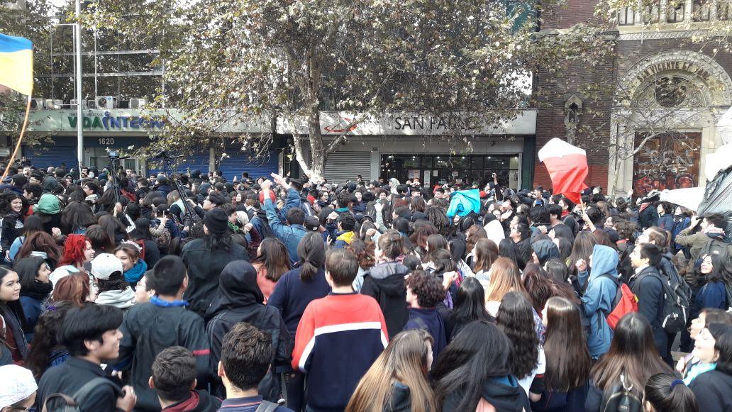 52 detenidos tras marcha no autorizada de estudiantes secundarios