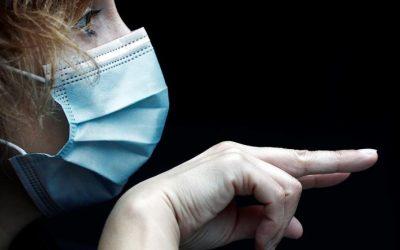 Bocas tapadas: Las barreras del sistema de salud para las personas sordas