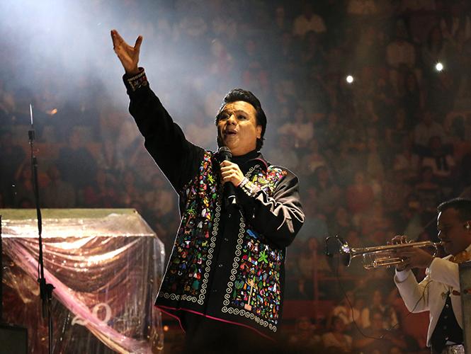 A los 66 años muere el cantante mexicano Juan Gabriel