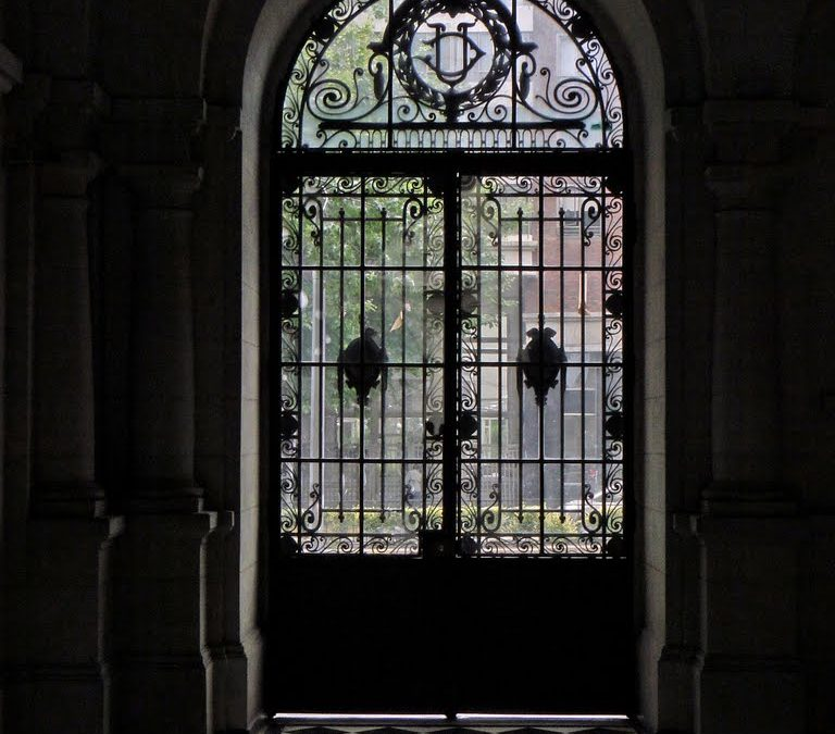 Estado de Emergencia: UC cierra sus campus en la Región Metropolitana